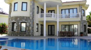 Stunning Detached Villa For Sale