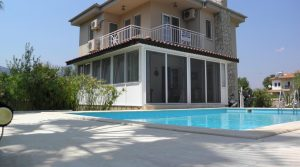 IMMACULATE 3 BEDROOM DETACHED VILLA